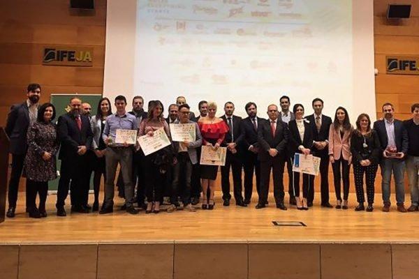 La operadora de telecomunicaciones Ahí+ BLAVEO ha sido galardonada por la Asociación de Jóvenes Empresarios de Jaén